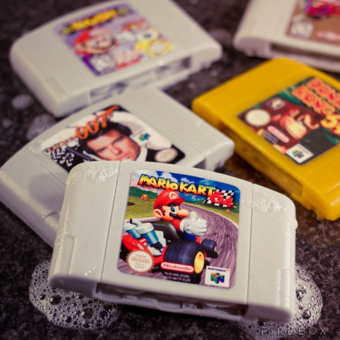 Tvätta dig med en N64-kassett som tvål